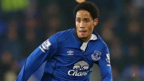 South African forward Steven Pienaar hangs up his boots