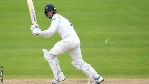 Nightwatchman Chris Wright was out for 72, just five short of his career-best