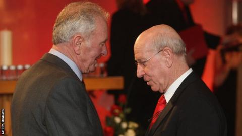 Harry Gregg with Sir Bobby Charlton at the 50th anniversary of the Munich air disaster in 2008