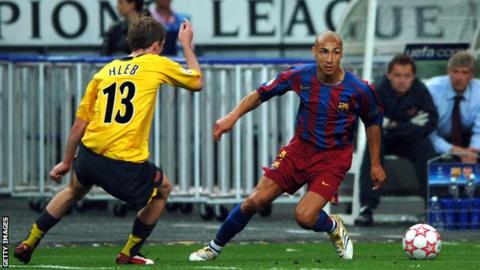 Henrik Larsson playing for Barcelona against Arsenal in the 2006 Champions League final