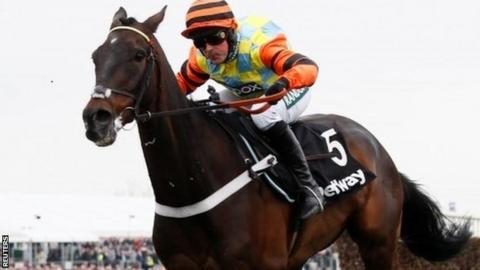 Might Bite at Aintree
