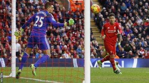 Roberto Firmino heads Liverpool ahead against Sunderland