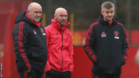 Mark Dempsey (centre) with Mike Phelan and Ole Gunnar Solskjaer