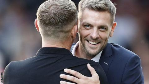 Jonathan Woodgate embraces Graeme Jones