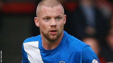 Bromley Sign Alan Dunne Brandon Hanlan And Aaron Hayden