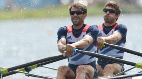 Mark Hunter and Zac Purchase rowing for GB in 2012