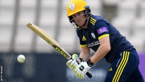 Liam Dawson batting for Hampshire