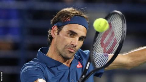 Roger Federer wins in Dubai