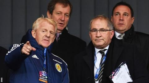 Gordon Strachan, Alan McRae and Malky Mackay in the Hampden stand