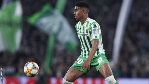 Barcelona sign Junior Firpo from Real Betis