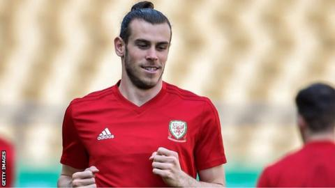 Gareth Bale takes the limelight on Ryan Giggs' big day