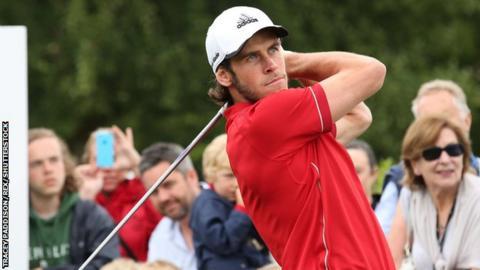 Gareth Bale playing golf