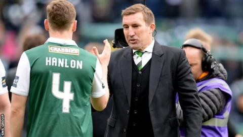 Alan Stubbs with defender Paul Hanlon