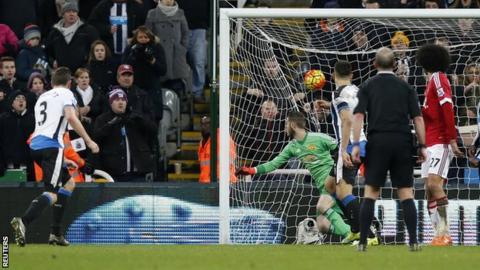 Paul Dummett rescues a point for Newcastle