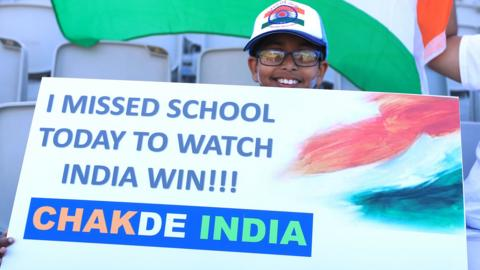 Young India fan