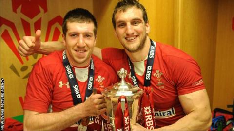 Justin Tipuric and Sam Warburton together after Wales 30-3 win over England in 2013