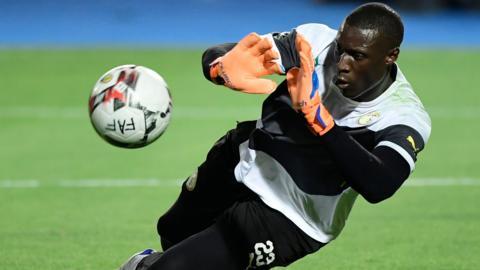 Senegal goalkeeper Alfred Gomis