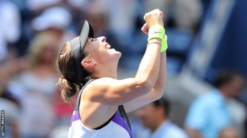 Andreescu outlasts Mertens to reach 1st career Grand Slam semifinal