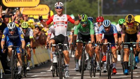 Caleb Ewan wins stage 16 of the Tour de France