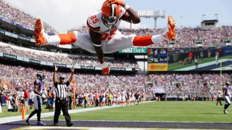 David Njoku of the Cleveland Browns celebrates a touch down against Baltimore Ravens