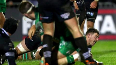 Eoghan Masterson's try just before half time put Connacht in control