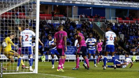 Toni Leistner scores for QPR at Reading