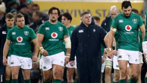 Johnny Sexton's head injury played down by Ireland coach Joe Schmidt