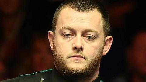 Mark Allen lost the last two frames of his evening session match against Tian Pengfei.