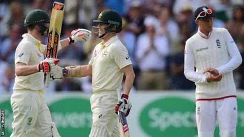 Steven Smith and Chris Rogers of Australia celebrate