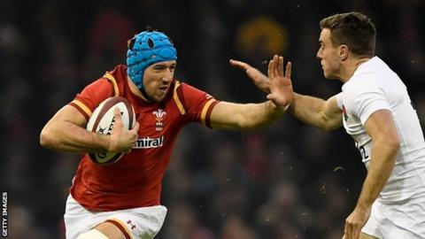 justin Tipuric takes on England's George Ford
