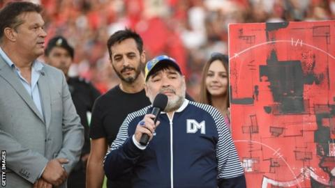 Maradona given royal treatment on return to Messi's Newell's