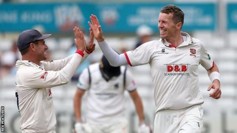 Australian Peter Siddle was acclaimed by captain Ryan ten Doeschate after the 23rd five-wicket haul of his first-class career