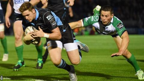 Glenn Bryce scores a try for Glasgow Warriors against Connacht