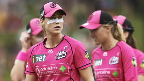 Ellyse Perry of Sydney Sixers