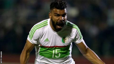 Hillal Soudani celebrates scoring for Algeria