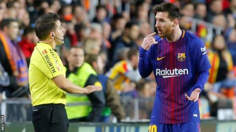 What Lionel Messi Said To The Referee After Disallowed Goal Against Valenica