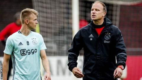 Ajax provisionally suspends coaching staff