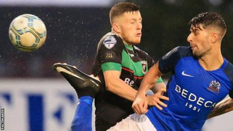 Glenavon dropped their first points of the season in a 2-2 draw against Glentoran
