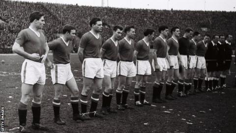 Harry Gregg lines up with his Manchester United team-mates in Belgrade the day before the Munich air disaster