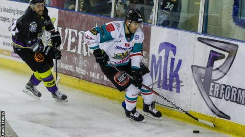 Giants forward Jim Vandermeer moves clear in Saturday night's win over Manchester Storm