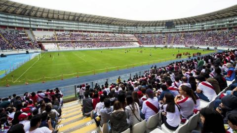 An estimated 35,000 Peru fans turned up just to watch the team train ahead of the Scotland match