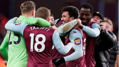 """Résultat de recherche d'images pour """"Aston Villa 2:1  Leicester City"""""""