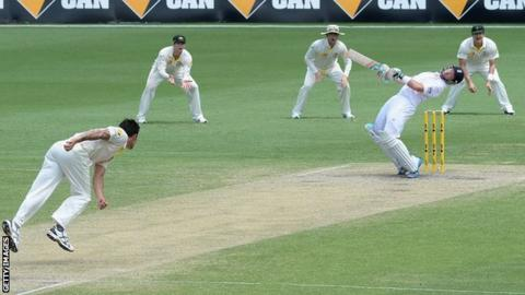 The last time Ian Bell shared a pitch on Australian soil with Mitchell Johnson was during the 2013-14 Ashes tour