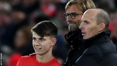 Ben Woodburn and Liverpool manager Jurgen Klopp