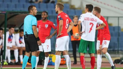 Bulgaria manager resigns after racist taunts at England match