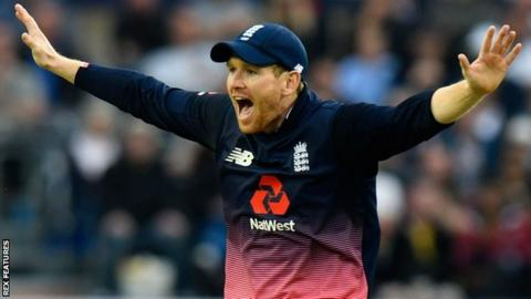 Eoin Morgan appeals while playing for England