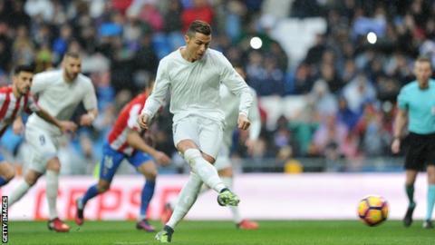 Cristiano Ronaldo scores penalty