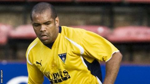 Kevin Harper finished his professional career at Dunfermline in 2009