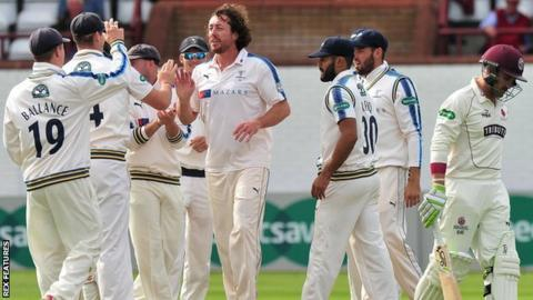 Ryan Sidebottom struck three times in quick succession at Taunton, the dismissal of Dean Elgar being followed just two balls later by home skipper Tom Abell, then Marcus Trescothick four overs later