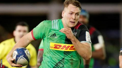Harlequins back row Alex Dombrandt